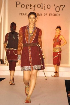 indian-traditional-clothing-rajasthani-design