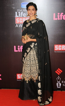 Deepika Padukone in Umang Award function saree