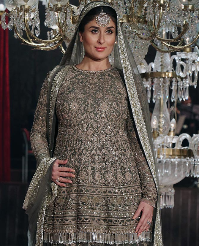 Pregnant Kareena in Sabyasachi  Dress