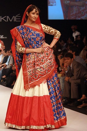 embroider-designer-saris