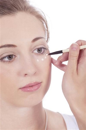 use-primer-and-concealer-before-makeup