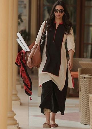 Deepika Padukone In Kurti