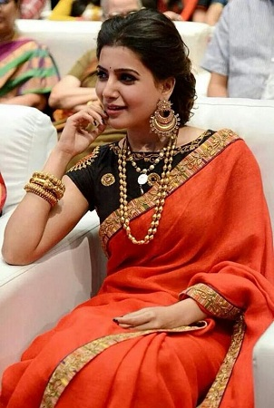 Jewellery And Accessories On Chiffon Sarees