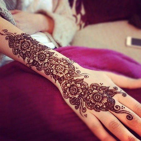 Arabic Back Mehendi Design