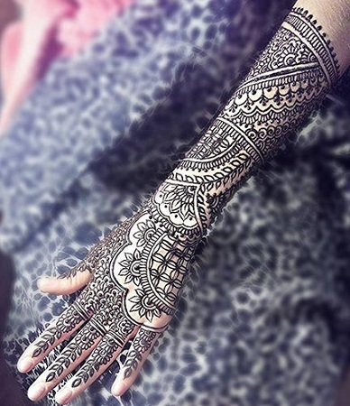 Beautiful Bridal Back Mehendi Design