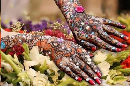 Beautiful Multicolored Mehendi Design