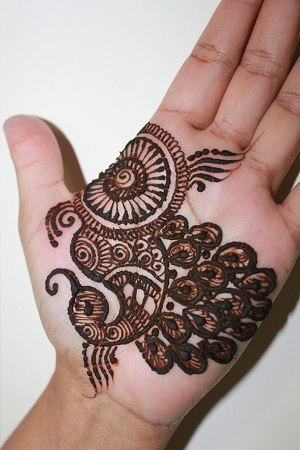 Easy Peacock Mehendi Design