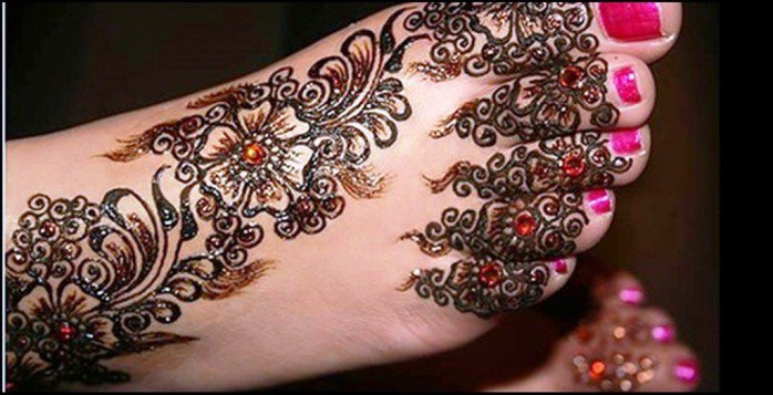 Floral Mehendi Design For Feet