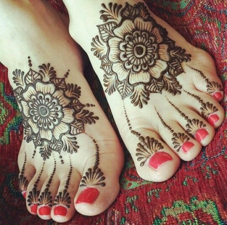 Floral Mehendi Design for Leg