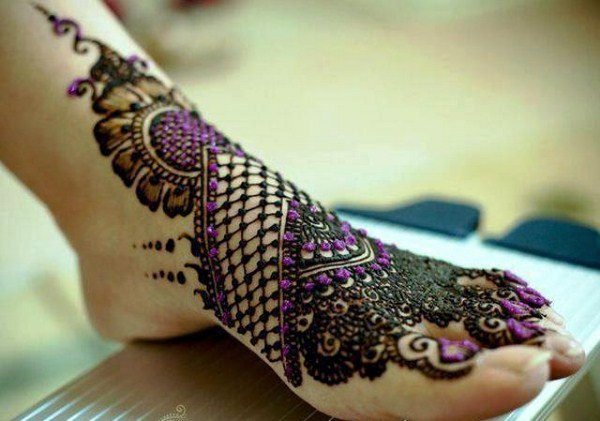 Glitter Arabic Mehendi Design For Feet