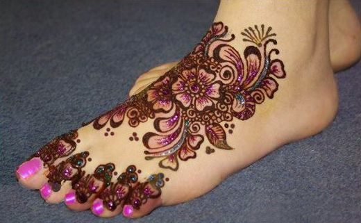 Glitter Mehendi Design For Feet