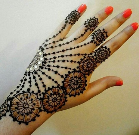 Jewellery inspired mehendi design