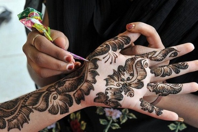 Leafy Shaded Mehendi Design