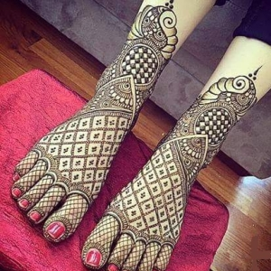 Mehendi Design For Feet For KarwaChauth