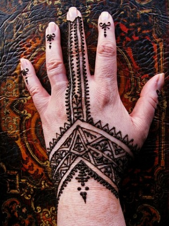 Moroccan Mehendi Design For Back