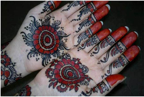 Multi Colored Round Mehendi DEsign