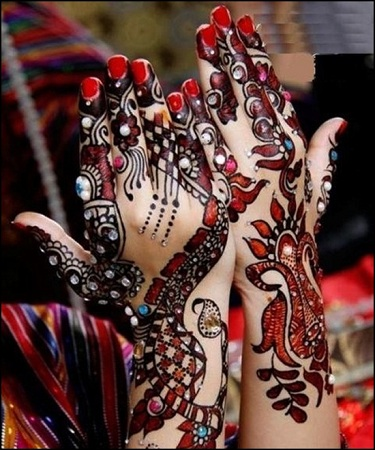 Multiclored stonework mehendi design