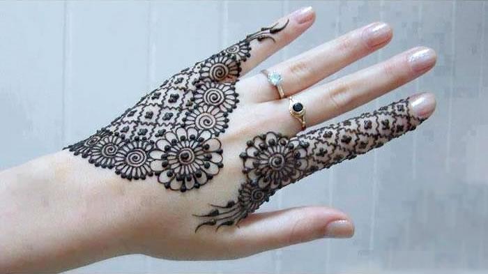 Net Floral Mehendi Design