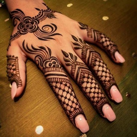 Net Pattern Mehendi Design For Fingers