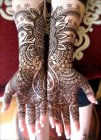 Pretty Mehendi Design For Karwachauth