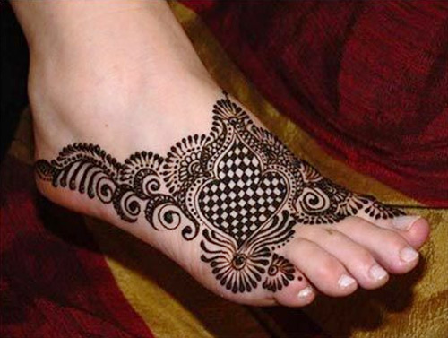 Punjabi Mehendi Design For Feet