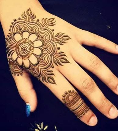 Simple Mehendi Back Hand Design