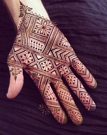 Simple Moroccan Mehendi Design