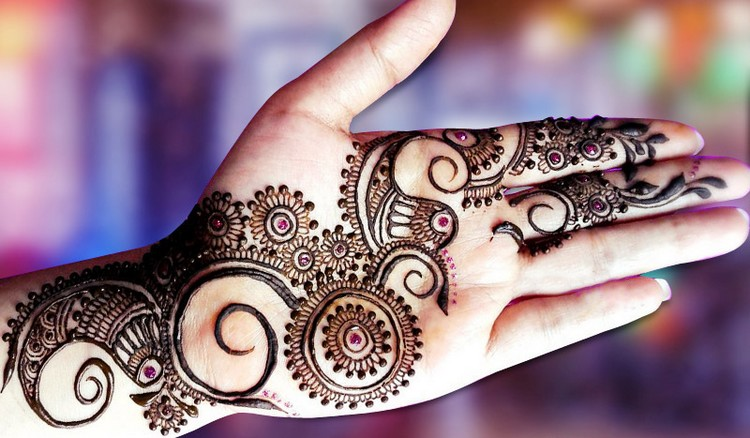 Stylish Punjabi Mehendi Design