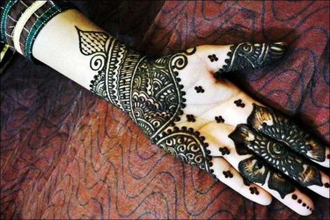Traditional Mehendi Design For Eid
