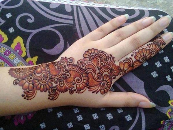 Trendy Punjabi Mehendi Design
