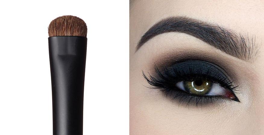 Smokey Eyes With Smudger Brush