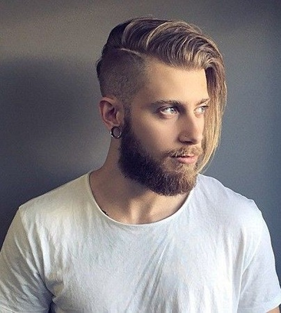 Side Swept Hairstyle For Oval Face Men