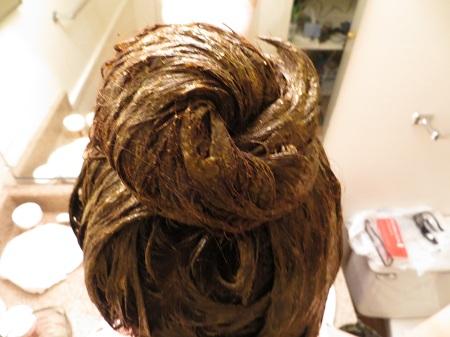 Apply Heena On Hair