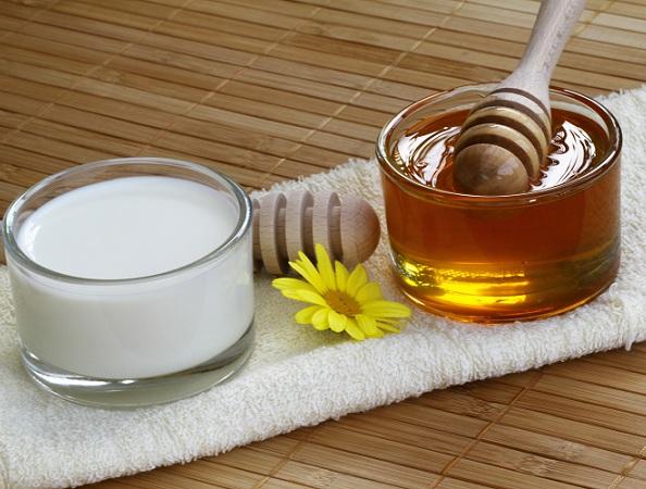 Apply Milk & Honey On Hair