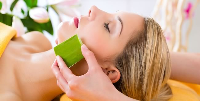 Aloe Vera For Treating Pimple