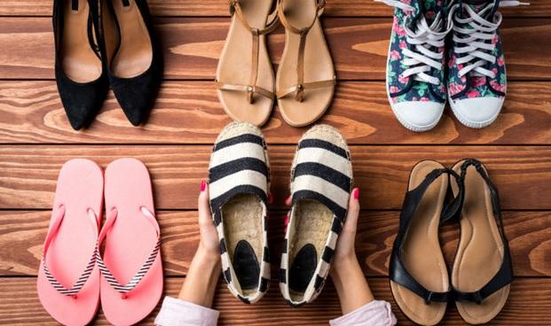 footwear choice for monsoon
